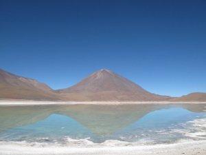 Laguna Verde, Bolivie. Et tout pres : Chili, Argentine.
